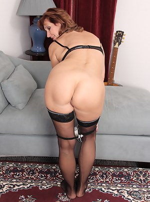 Naked Mature Undressing Porn Pictures