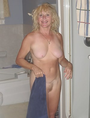 Naked Mature Girlfriend Porn Pictures