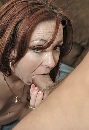 Naked Mature Deepthroat Porn Pictures