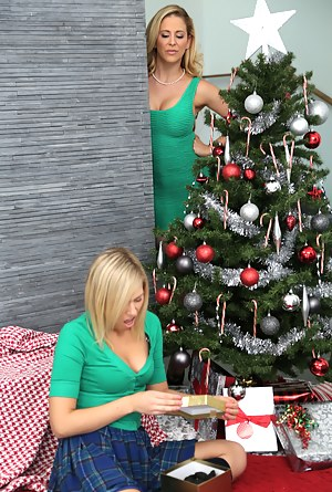 Naked Mature Christmas Porn Pictures