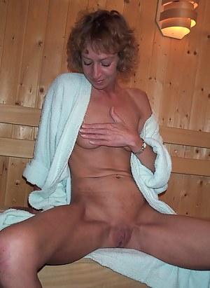 Naked Mature Sauna Porn Pictures