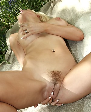 Naked Mature Tight Pussy Porn Pictures