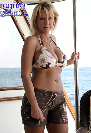 Naked Mature Boat Porn Pictures