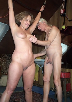 Naked Mature Spanking Porn Pictures