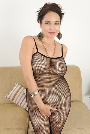Naked Mature Fishnet Porn Pictures