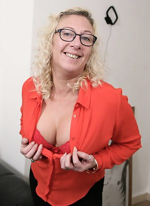 Naked Mature Glasses Porn Pictures