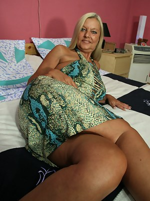Naked Mature Women Porn Pictures
