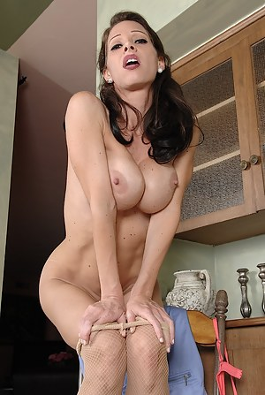 Naked Mature Kitchen Porn Pictures